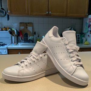 White Adidas by Stan Smith